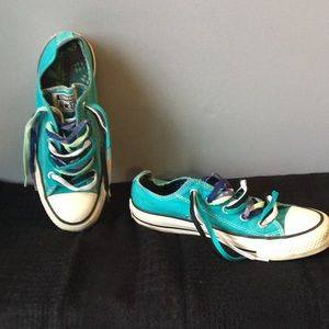 Converse All Stars Sneakers Size 6